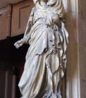 vierge du portail de la Chapelle