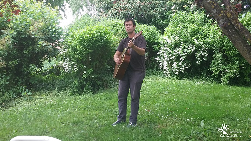 Nils Bourdon, de l'Association des étudiants de l'École supérieure de Musique Bourgogne-Franche-Comté