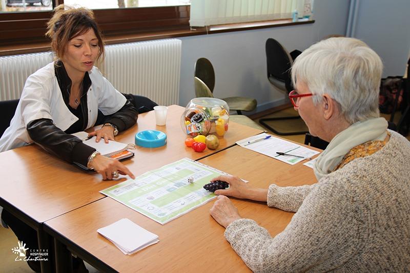 Julie CHARTIER, diététicienne et Isabelle POURNAIN, hygiéniste hospitalière