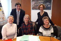 Mme Dominique BARRIERE, Présidente de l'Association, Bruno Madelpuech, directeur du CHLC Dijon, Mme Camille THEVENIAUD, Vice-Présidente et coordinatrice des Bénévoles de l'Association, Dr Lombard , gériatre et Mme Brigitte ROUSSEAU, Référente des Bénévoles des Vergers.