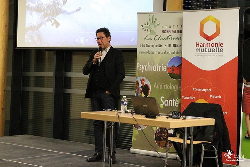 Michael Stora, psychologue et psychanalyste